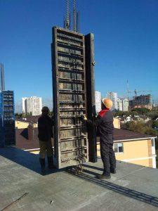 Монтаж опалубки колонн 9-го этажа