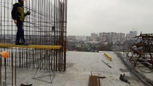 Монтаж вертикальных конструкций 10-го этажа