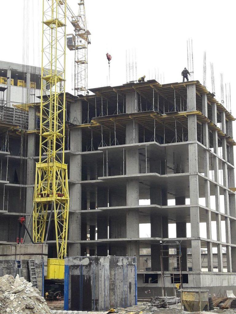 Приступили к строительству 6-го этажа 2-й секции