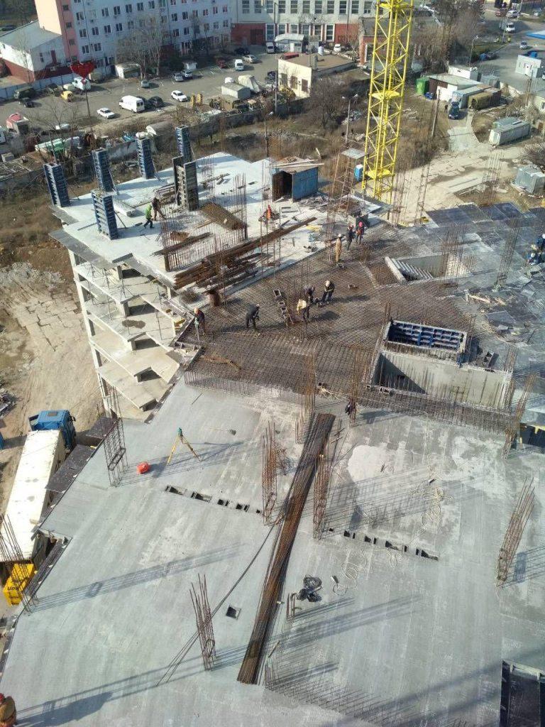 Начат монтаж вертикала 7-го этажа 2-й секции